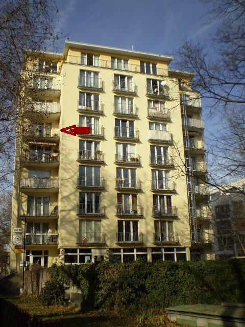 Heinrich-Heine-Straße 11 lautet die Post-Adresse. Tatsächlich aber steht das Haus in der Hindenburgstraße, am Ende der Sackgasse, direkt am Goetheplatz.